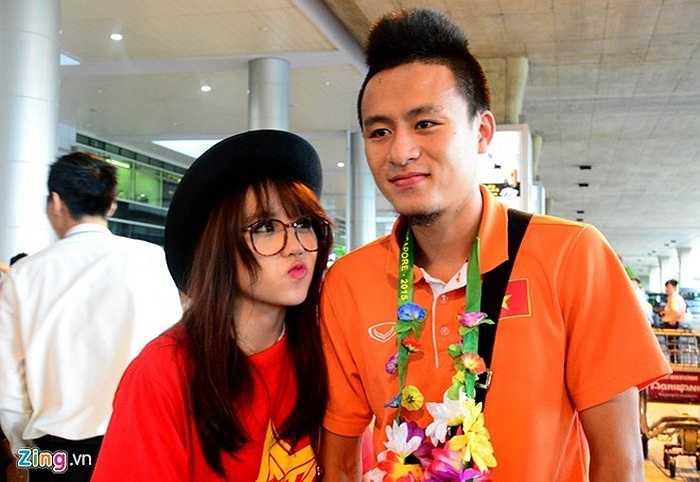 Huy Toàn - cầu thủ ghi 5 bàn thắng tại SEA Games 28 được nhiều người hâm mộ quan tâm đặc biệt.