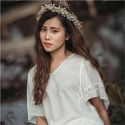 Cô bạn xinh đẹp này là Hà Khánh Linh, sinh năm 1996, đến từ Quan Sơn - Thanh Hóa.