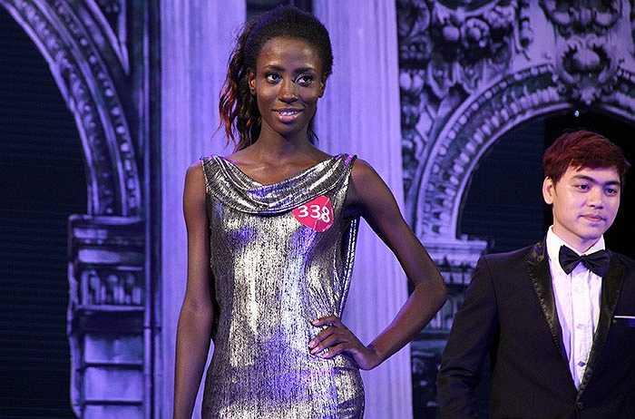 Gyimah Akua Attaa tự tin trong các phần thi trong đêm chung kết