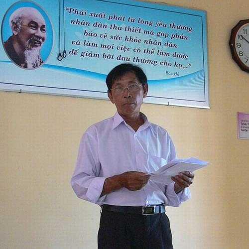 Một trường hợp khác là ông Nguyễn Văn Hạnh (mọi người hay gọi là Bảy Hạnh), sống tại TP Vũng Tày cũng mắc bệnh xơ gan cổ trướng giai đoạn cuối. Khi biết mình mắc bệnh, do nhà không nghèo không có tiền chữa bệnh, ông đã xin về tự chữa.