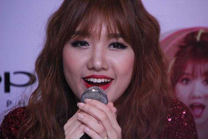 Không ai có thể tin rằng, một cô gái trẻ trung, vui tuơi và hài hước như Hari Won đã từng chống chọi với căn bệnh ung thư tử cung vào tháng 12/2012.