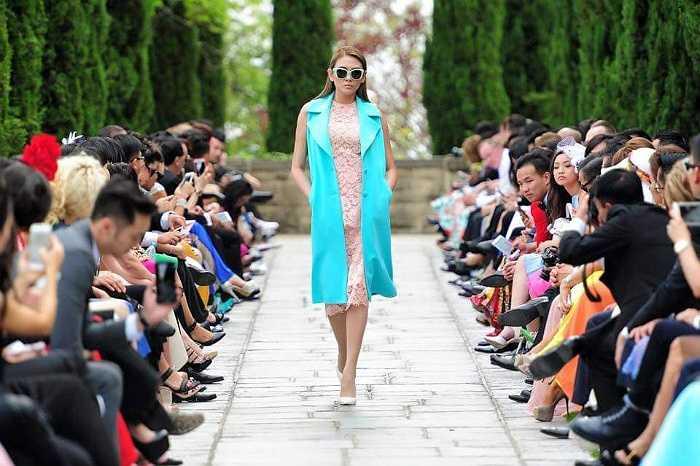 Võ Hoàng Yến trong show diễn của Đỗ Mạnh Cường.