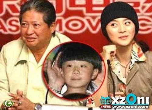 Khi mới tạo dựng được chút ít tên tuổi trong làng giải trí Hoa ngữ, Phạm Băng Băng đã vướng phải tin đồn có con riêng. Đứa trẻ được đặt tên là Phạm Thừa Thừa. Cha của đứa trẻ được cho là ngôi sao gạo cội Hồng Kim Bảo - người mà Phạm Băng Băng nhận là cha nuôi.