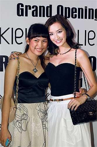 Siêu mẫu Trúc Diễm có một cô em gái tên là Trúc Dương. Cô gái sinh năm 1990 từng lọt vào vòng bán kết của Nữ hoàng trang sức Việt Nam. Trước đó, cô từng tham dự nhiều cuộc thi dành cho giới trẻ nhưng không gây được chú ý.