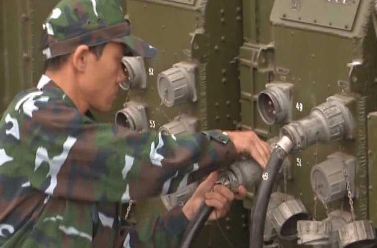 Thao tác chuẩn bị chiến đấu cho đài radar diễn ra 'nhanh chóng mặt'.