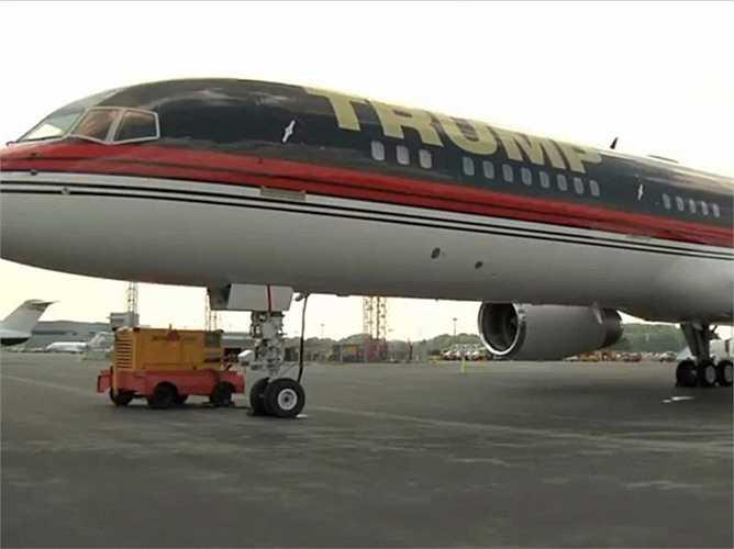 Tỷ phú Donald Trump cũng sở hữu Boeing 757 trị giá 100 triệu USD, và các máy bay cá nhân khác