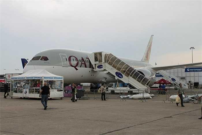 Hãng hàng không Qatar Airways đã đưa Boeing 787 Dreamliner phục vụ hành khách từ năm 2012. Đây là máy bay được ví như 'giấc mơ bay' với tiện ích sang trọng