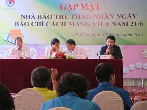 Tổng Thư ký VFF Lê Hoài Anh trao đổi với báo chí sáng 17-6
