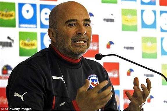 HLV Jorge Sampaoli xác nhận sẽ không loại Vidal ra khỏi danh sách thi đấu tại Copa America.