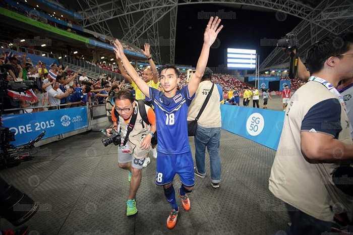 Tại SEA Games 28, Chanathip là chân chuyền số 1 của đội bóng xứ chùa Vàng. Anh cũng là cầu thủ có tầm ảnh hưởng lớn nhất trong lối chơi của U23 Thái Lan.