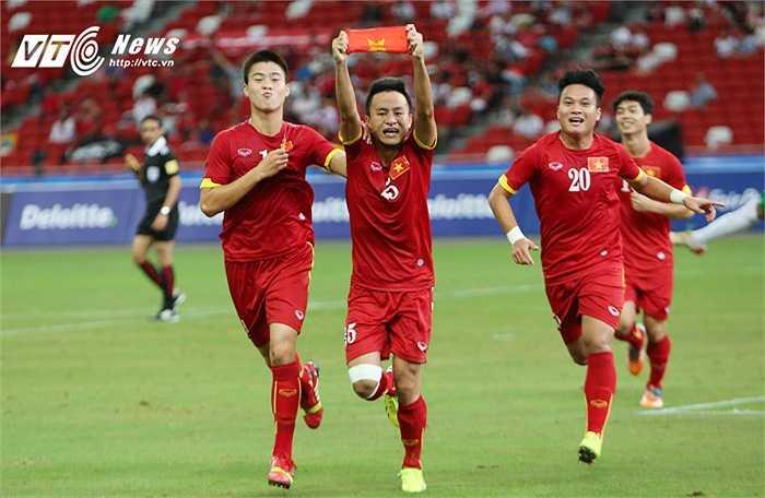 Nhưng trong hiệp 1, 4 lần các cầu thủ U23 Việt Nam được thoải mái ăn mừng. (Ảnh: Phạm Thành)