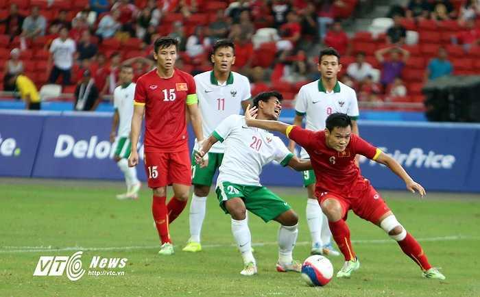 Sang hiệp 2, U23 Indonesia chỉ thua thêm 1 bàn. Theo thông tin từ băng ghi âm, ở hiệp 2, đáng ra U23 Indonesia phải thua ít nhất 3 bàn. (Ảnh: Phạm Thành)