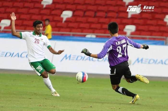 Chứng kiến một số pha hãm thành của U23 Indonesia thì có thể thấy rất nhiều vị trí của đội bóng Vạn đảo vẫn chơi đầy cố gắng. (Ảnh: Phạm Thành)