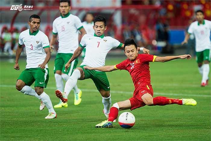 Thậm chí, U23 Indonesia còn phong tỏa rất tốt các mũi tấn công của U23 Việt Nam. (Ảnh: Hải Thịnh)