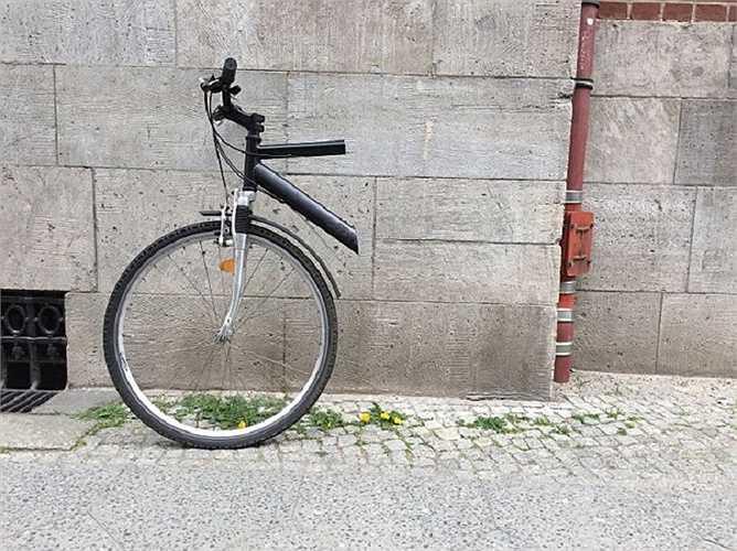 Nửa trên của chiếc xe đạp giờ chỉ có giá không đến 2 bảng Anh