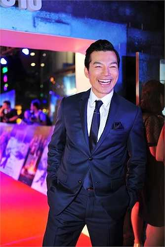 Diễn xuất của anh trong phim được đánh giá là vượt trội hơn cả nhân vật chính do Vũ Ngọc Anh thủ vai.
