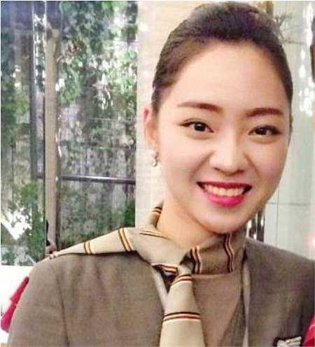 Lê Phan Ngọc Lan (hay còn có nick name Leng Rin) là cựu tiếp viên hàng không của hãng hàng không Asiana Airlines, sinh năm 1992.