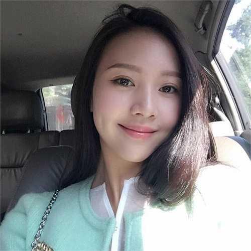 Ngọc Châm là cái tên quen thuộc với giới trẻ thời gian gần đây khi tham gia cuộc thi hoa khôi Áo dài Việt Nam 2014 và MV 'chắc ai đó sẽ về' cùng với Sơn Tùng M-TP.