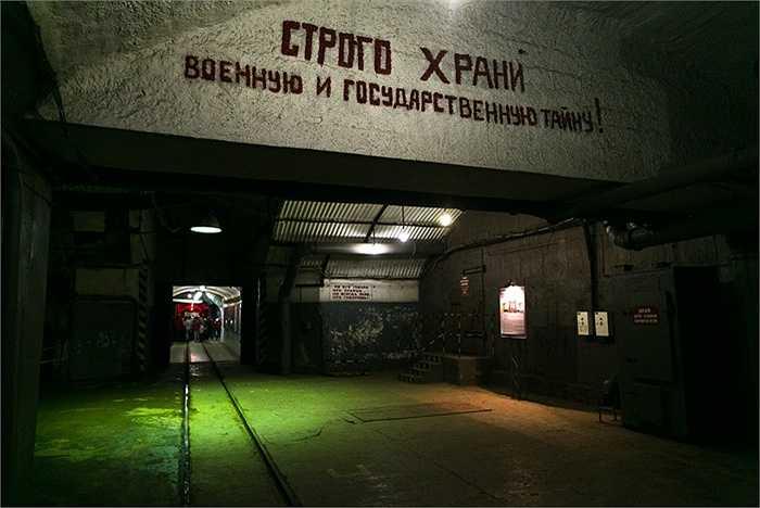 Hình ảnh căn cứ tàu ngầm 825 CTS
