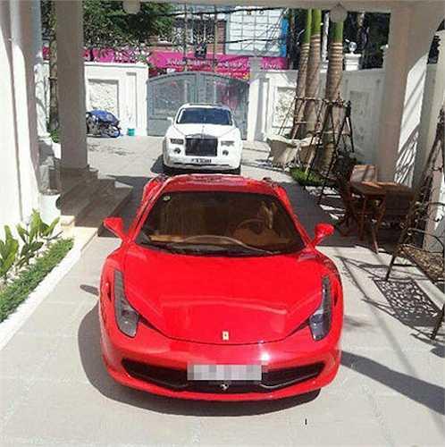 Đây cũng là chiếc xe Phan Thành yêu thích nhất, có giá trị lên đến 15 tỷ đồng. Anh đặt nickname cho chiếc xe này là 'em yêu'.