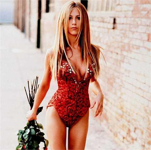 Vòng eo tuyệt đẹp của Jennifer Aniston