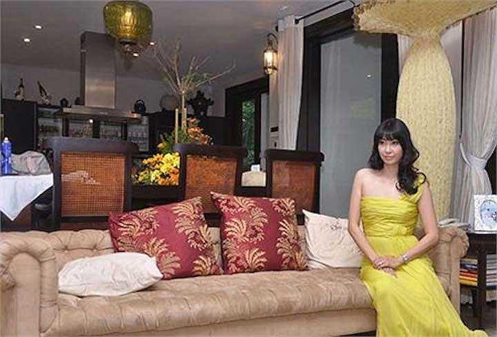 Các chi tiết trong phòng khách vô cùng tinh tế, tráng lệ và hài hòa.