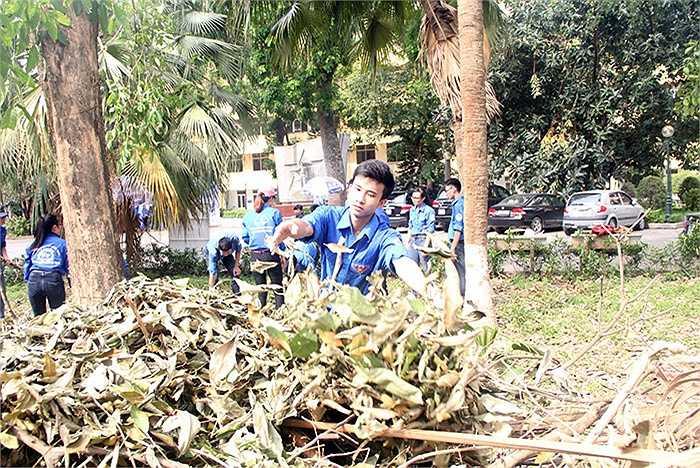 Thành lập các nhóm tình nguyện chuyên biệt, thực hiện công tác thu thập, tổng hợp thông tin, tư liệu, kỷ vật tại Bắc Giang, Thái  Nguyên, hướng tới kỷ niệm 50 năm Trường sơ tán