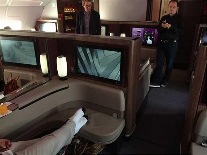 Ngoài khu vực sảnh chờ, hãng Qatar Airways còn cung cấp rất nhiều ghế dài dành cho hành khách nghỉ ngơi.