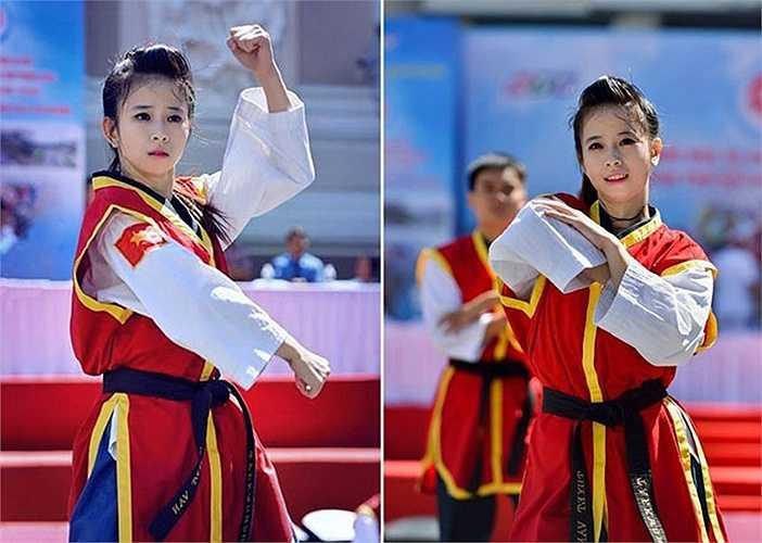 Đến với SEA Games 28, dù chỉ tham gia 1 nội dung là biểu diễn đồng đội nữ, nhưng Tuyết Vân cùng Nguyễn Thị Lệ Kim, Nguyễn Thụy Xuân Linh vẫn xuất sắc mang về tấm HCV qua đó bảo vệ thành công ngôi vô địch.