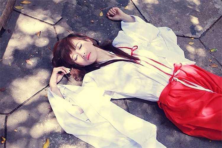 Sở hữu thân hình thon thả, làn da trắng mịn cùng gương mặt tươi sáng, Châu Tuyết Vân được cộng đồng mạng xã hội và nhiều phương tiện truyền thông tại Việt Nam đặt cho biệt danh 'hotgirl làng võ', 'tiểu thư làng võ'
