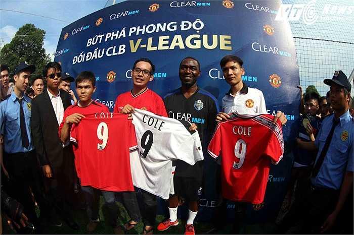 Với đà này, ngày Man Utd du đấu Việt Nam không còn xa. (Ảnh: Quang Minh)