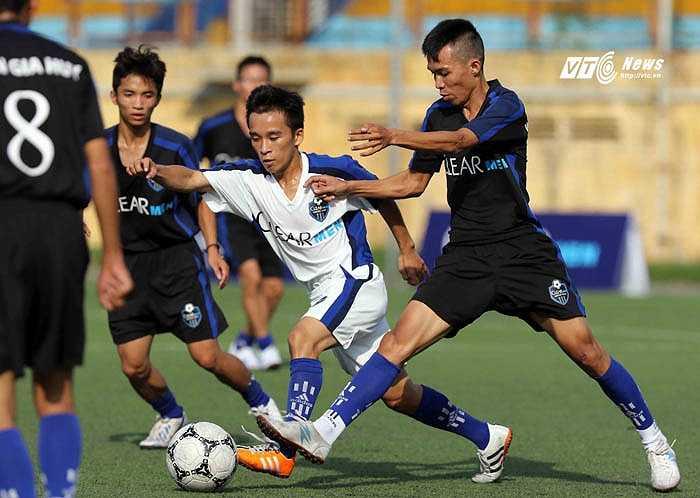 Những cầu thủ được lựa chọn sẽ cùng Andy Cole đá giao hữu với Than Quảng Ninh. (Ảnh: Quang Minh)