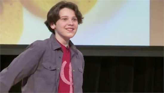 Lúc 11 tuổi, Jacob thi được 170 về IQ, và sẵn sàng vào đại học. Tuổi còn nhỏ nhưng cậu đã học thạc sỹ về vật lí lượng tử.