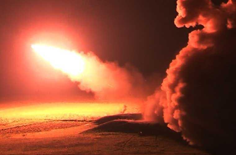 """Không chỉ diệt mục tiêu bay ban ngày, mà """"rồng lửa"""" của ta còn tiêu diệt được cả mục tiêu ban đêm hiệu quả nhờ nghiên cứu và ứng dụng hệ thống khí tài mới trong phát hiện mục tiêu bằng hệ thống quang truyền hình có gắn camera hồng ngoại.    Nguồn: Kiến thức"""