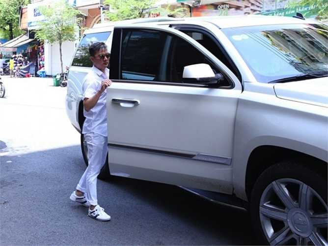Ngoài ra, Mr. Đàm còn sở hữu nhiều xe sang.
