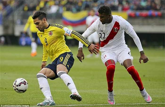 Falcao bị thay ra ở phút 65, dù Colombia rất cần 1 chiến thắng để chắc chắn đi tiếp
