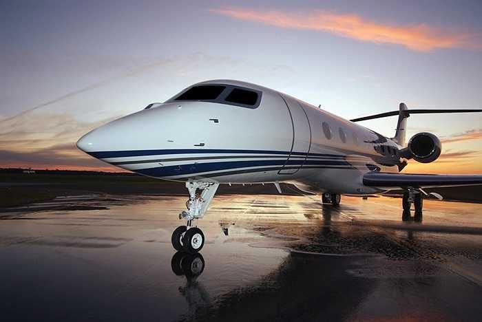 Máy bay phản lực mà ông trùm truyền thông sở hữu mang tên G650 và là hàng độc quyền dành cho ông. Giá của nó lên tới 84 triệu USD.
