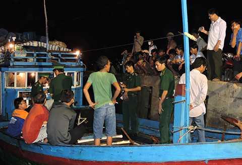 ngư dân, Quảng Ngãi, tố cáo, tàu Trung Quốc, tấn công, cướp tài sản, Hoàng Sa