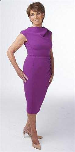 Pamela Buxton, 80 tuổi, là một người quản lý tài chính đã nghỉ hưu sống tại Rye, Đông Sussex. Bà kết hôn với Paddy, 82 tuổi, một linh mục. Họ đã có 3 người con và 6 đứa cháu.