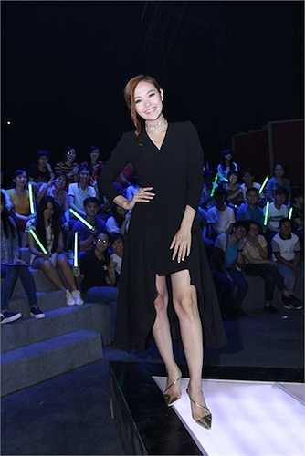 Là nữ giám khảo chính của chương trình 'Tôi là diễn viên', Minh Hằng đầu tư khá kỹ lưỡng về ngoại hình, trang phục và cách trang điểm trên ghế nóng.