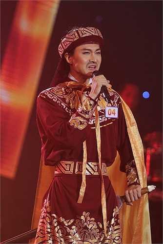 Nhạc sỹ Lê Quang: 'Tôi thấy tiết mục này được dàn dựng rất hoành tráng, thần thái của bạn rất hào hùng. Tuy nhiên, giọng hát của bạn hơi thiếu lửa'