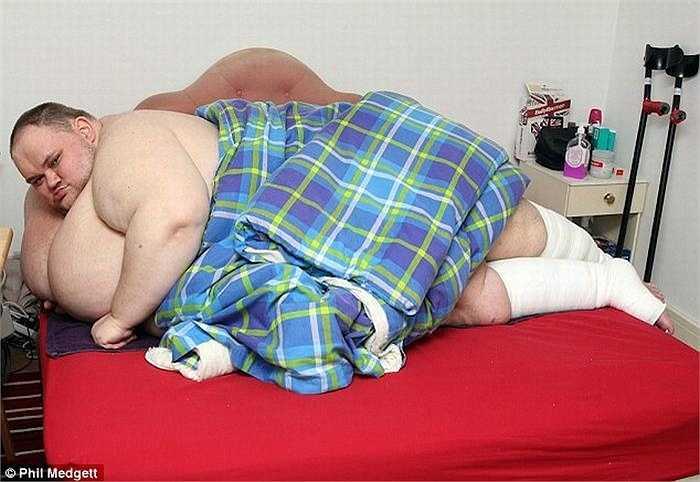Bác sỹ đã từng cảnh báo về tình trạng sức khỏe của Carl nếu anh không giảm ít nhất 286kg, anh có thể chết.