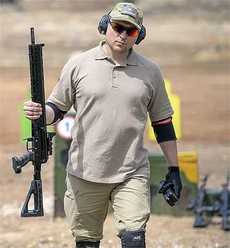 Súng Saiga-12-340, một thành viên trong gia đình Kalashnikov