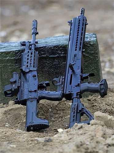 AK-12 (trái) và Saiga-12-340