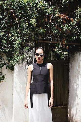 Phương Mai là một trong những chân dài rất đam mê thời trang đường phố