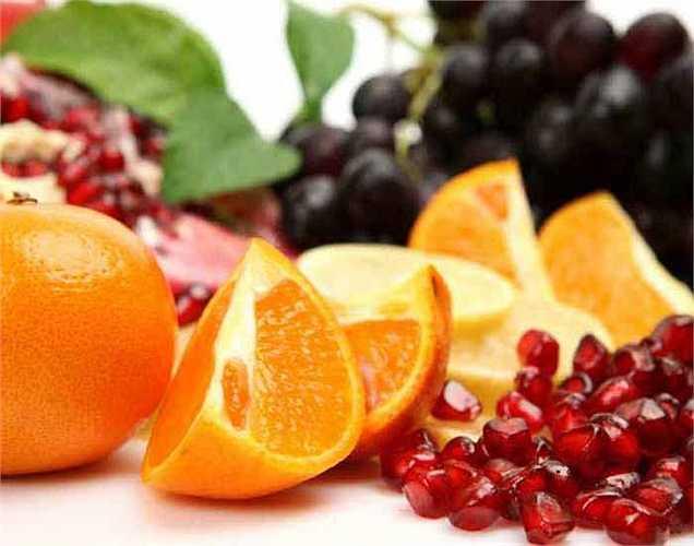 Hỗ trợ giảm cân: Trái cây giúp giảm cân nhanh chóng, vì trong trái cây có chứa lượng đường tự nhiên, ít calo rất tốt.