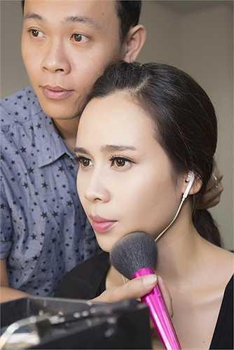 Ngoài việc chăm chỉ biểu diễn, người đẹp còn thường xuyên cho ra mắt các sản phẩm âm nhạc chất lượng.