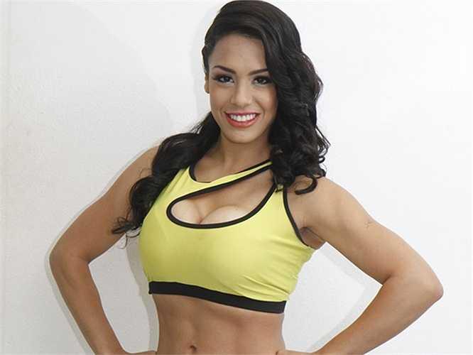 Julissa Jimenez là đại diện của Ecuador. Cô có biệt tài diễn thuyết và hùng biện đáng nể trước đám đông