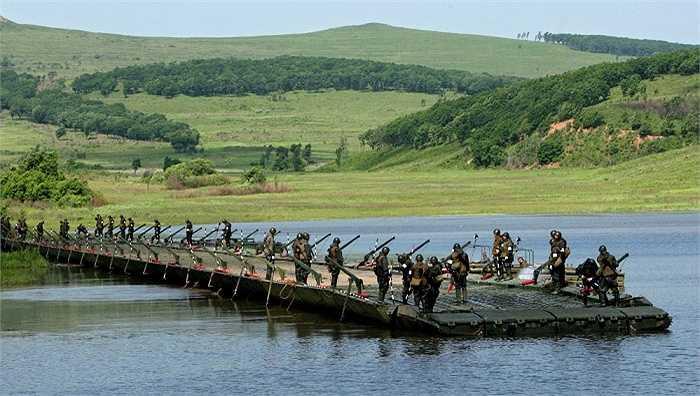 Lính công binh Nga tập trận tại khu huấn luyện Sergeevsky