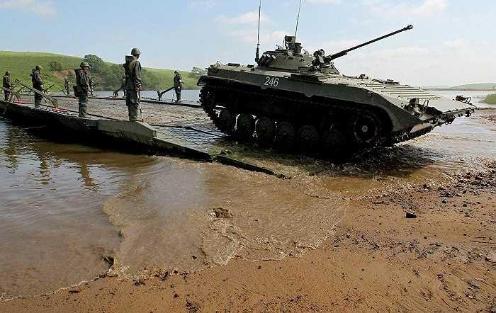 Xe chiến đấu bộ binh BMP-2 của Nga trong cuộc diễn tập